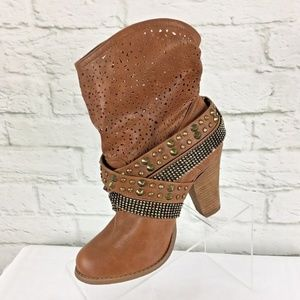 Not Rated Boot 7.5M Slouch Cutout Studded